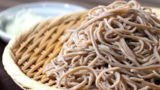 減量中の炭水化物は低GI値食品を!おすすめはオートミールに蕎麦!!【減量食事法】