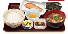 すき家 とん汁鮭納豆定食
