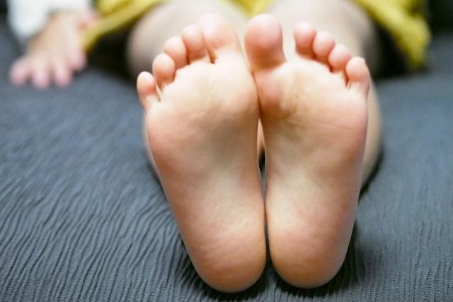 足が大きいと身長は伸びるの?足のサイズと身長の相関関係