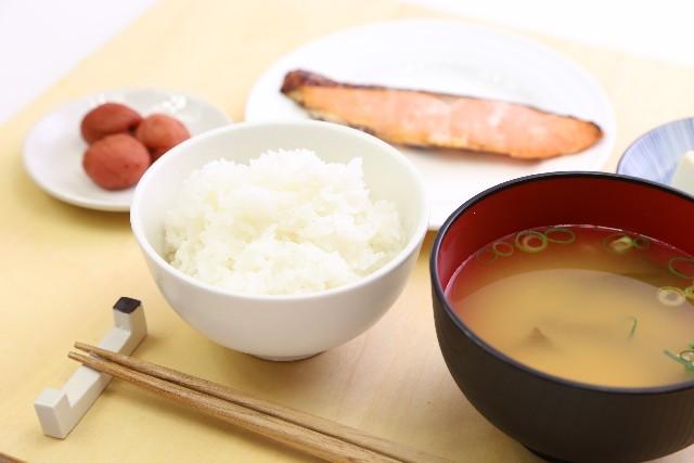 白いご飯を食べると身長は伸びる?大きく丈夫な体作りには必要!